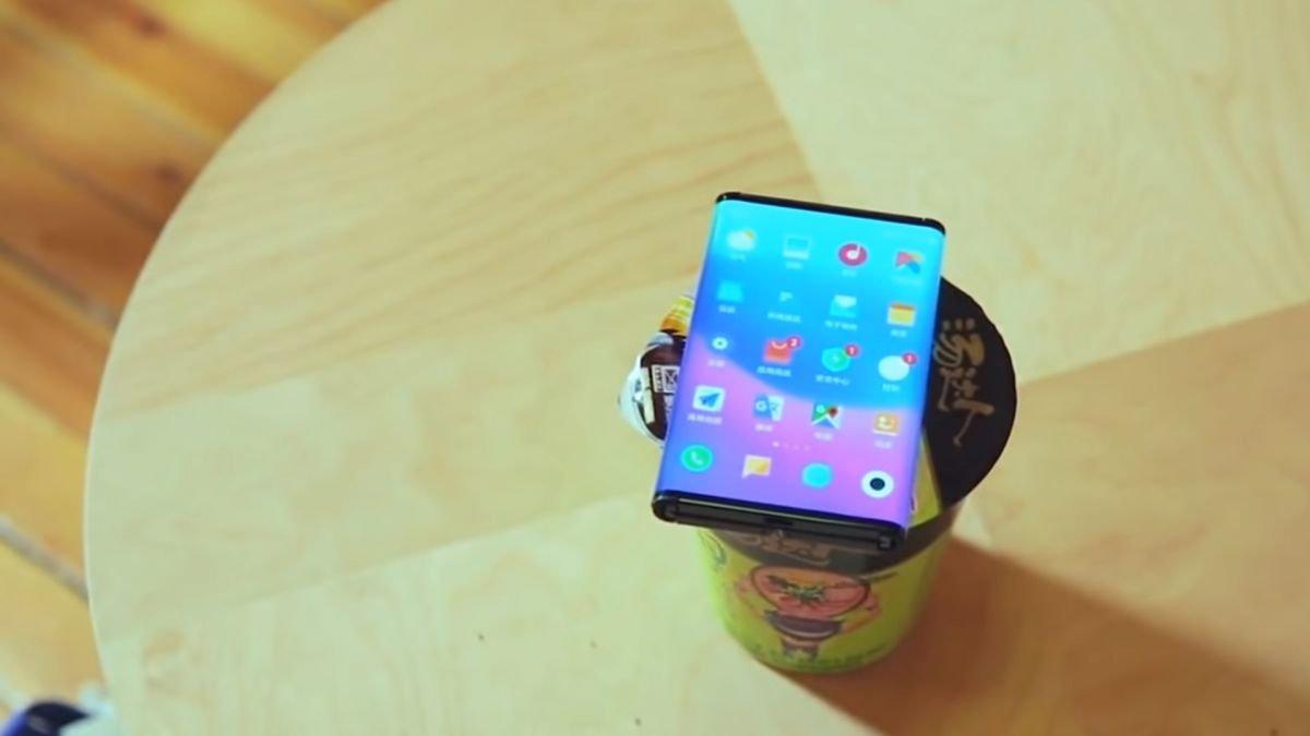 Photo of O telefone dobrável da Xiaomi descobriu em um novo vídeo teaser