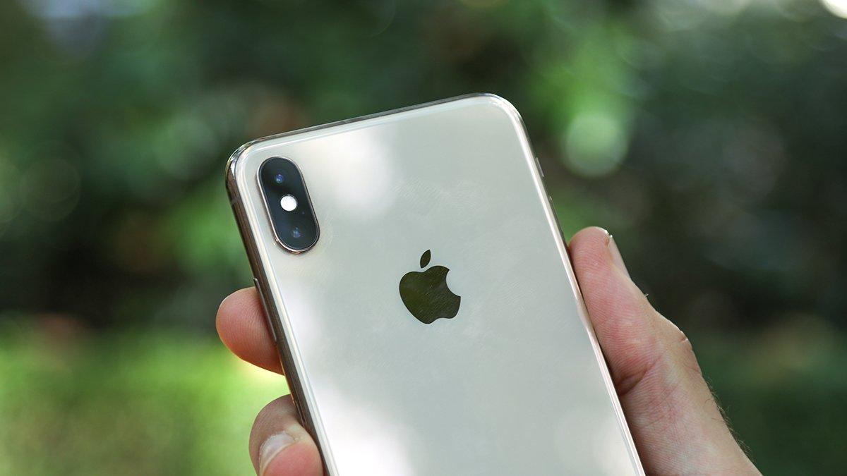 Photo of Há rumores de que o próximo iPhone será capaz de carregar seus outros dispositivos.