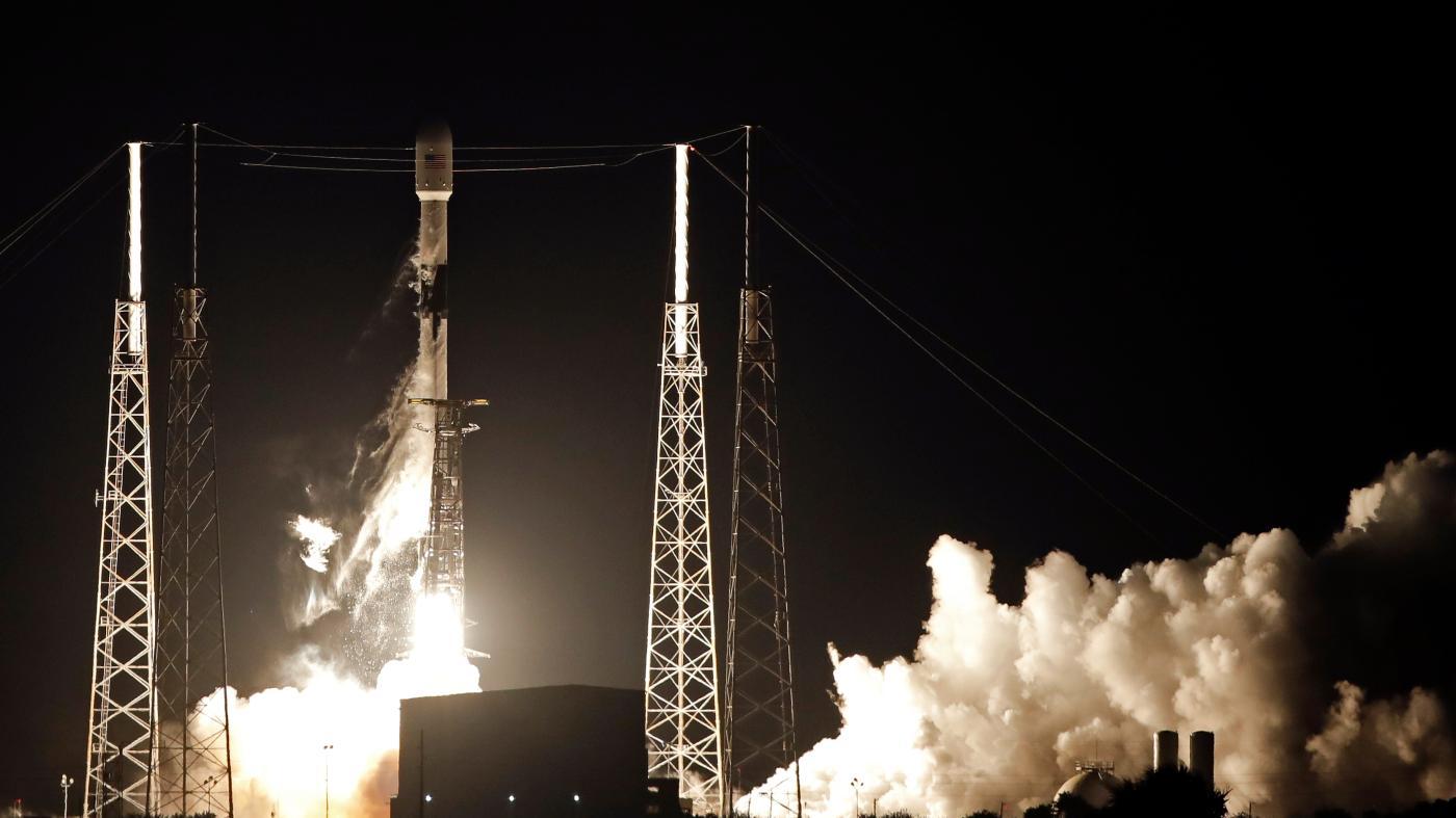 Foto de Os novos satélites SpaceX evitarão colisões autonomamente (e é melhor que o façam) – Quartz