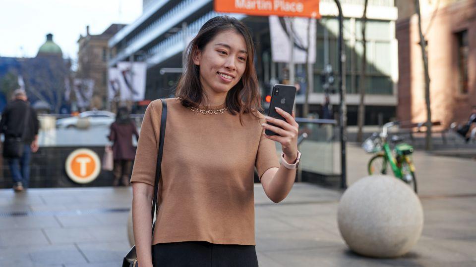 Photo of Os viajantes da NSW agora recebem benefícios completos do Opal ao usar pagamentos sem contato