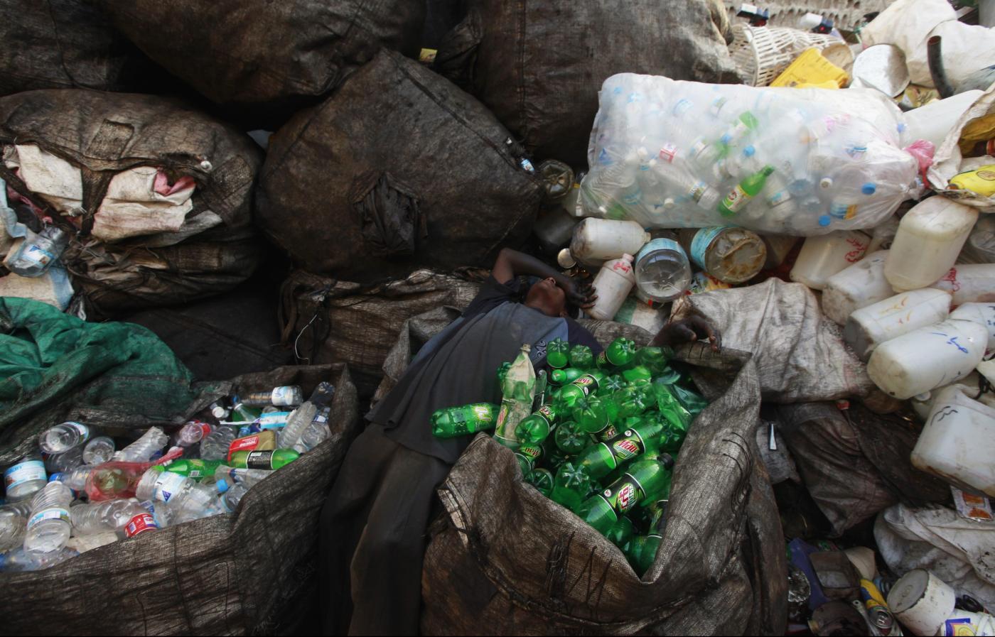 Photo of A crise dos resíduos plásticos na Índia é muito grande, mesmo para a Modi – Quartz India