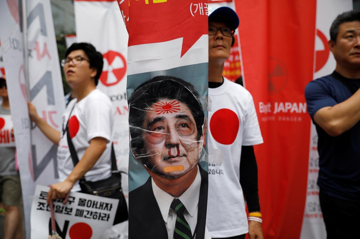 Photo of O que a discussão comercial entre o Japão e a Coreia do Sul significa para smartphones?
