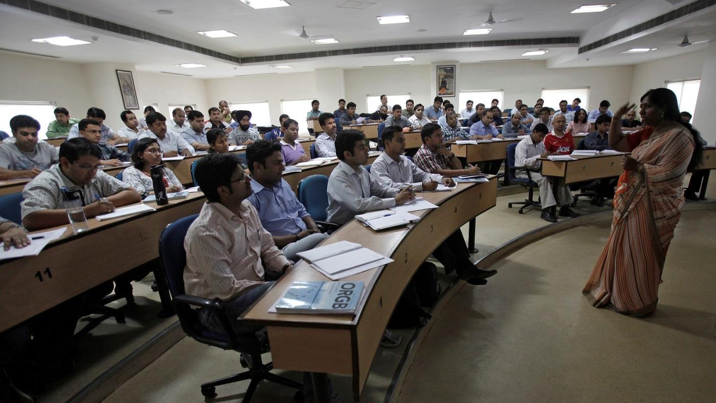 Photo of BA, B.Sc e B.Com são os cursos de pós-graduação mais populares da Índia – Quartz India