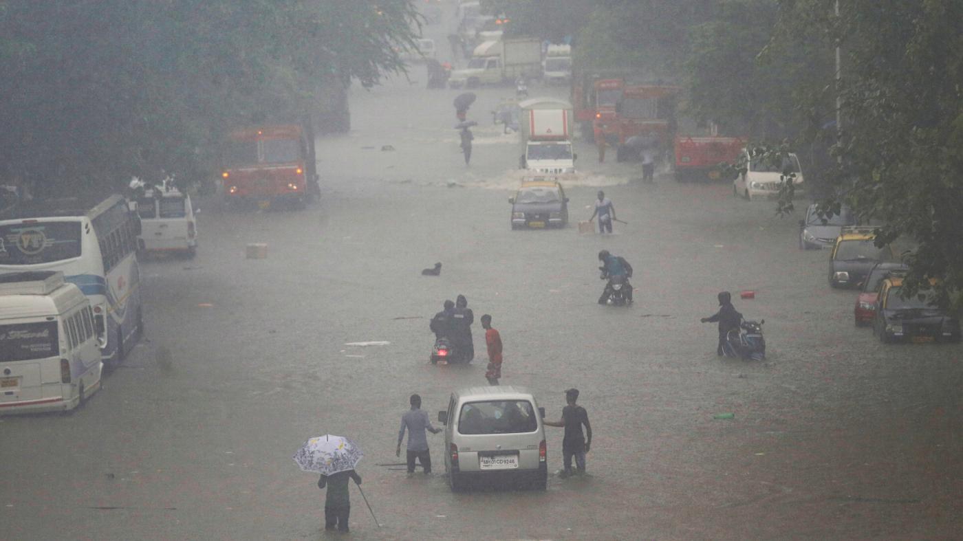 Photo of Fotos das chuvas e inundações de Mumbai no meio das monções indianas – Quartz India