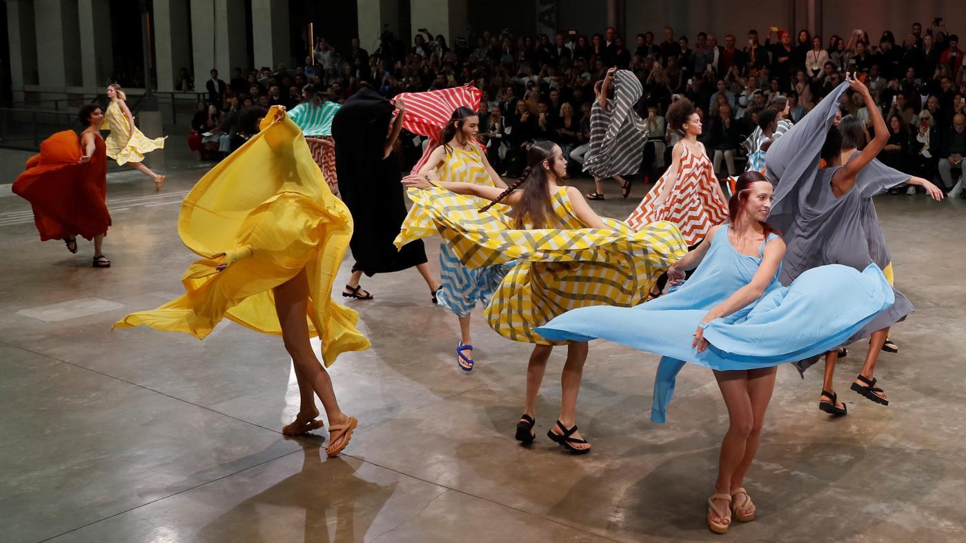 Photo of A coleção primavera / verão 2020 de Issey Miyake é uma ode à alegria – Quartzy