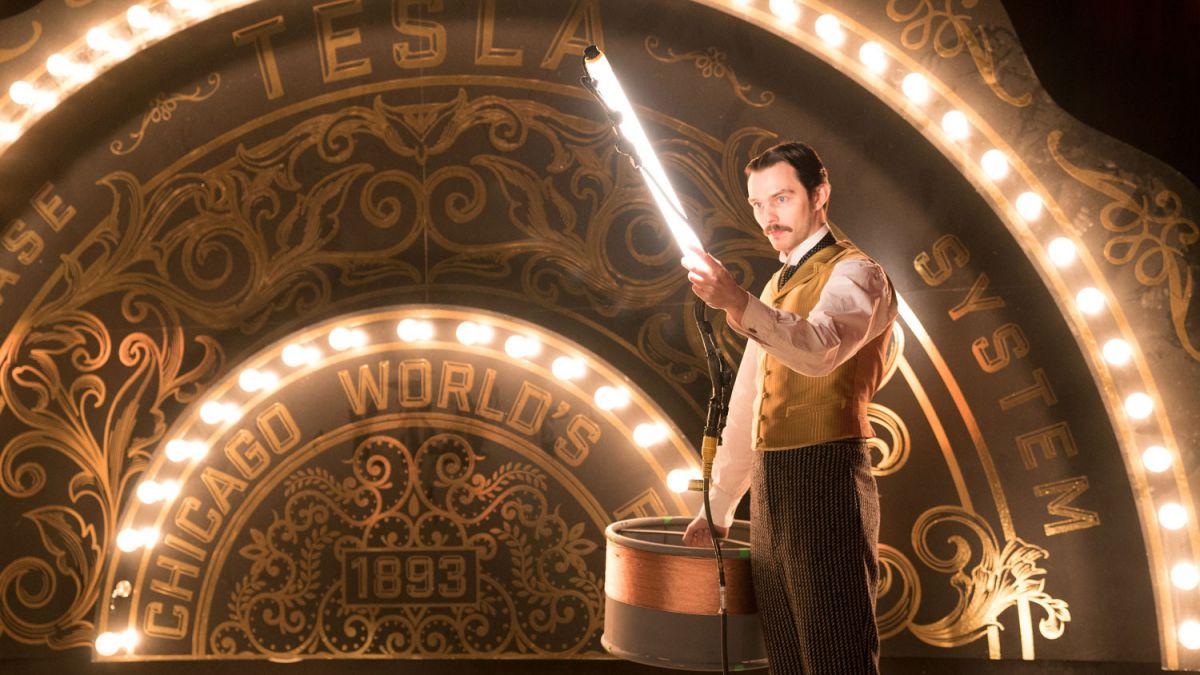 Photo of A revisão da guerra atual: a rivalidade entre Edison e Westinghouse ilumina este filme