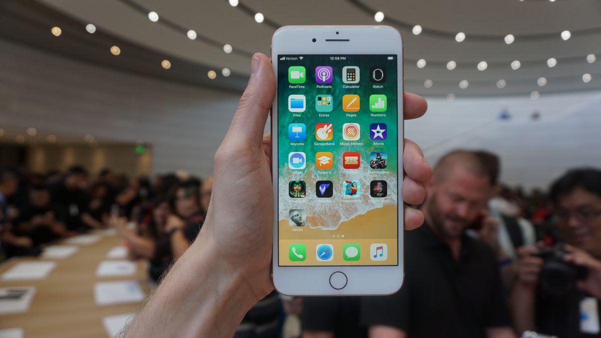 Photo of As vendas anteriores ao Walmart Black Friday podem gerar uma oferta do iPhone 8 Plus com um desconto de US $ 350