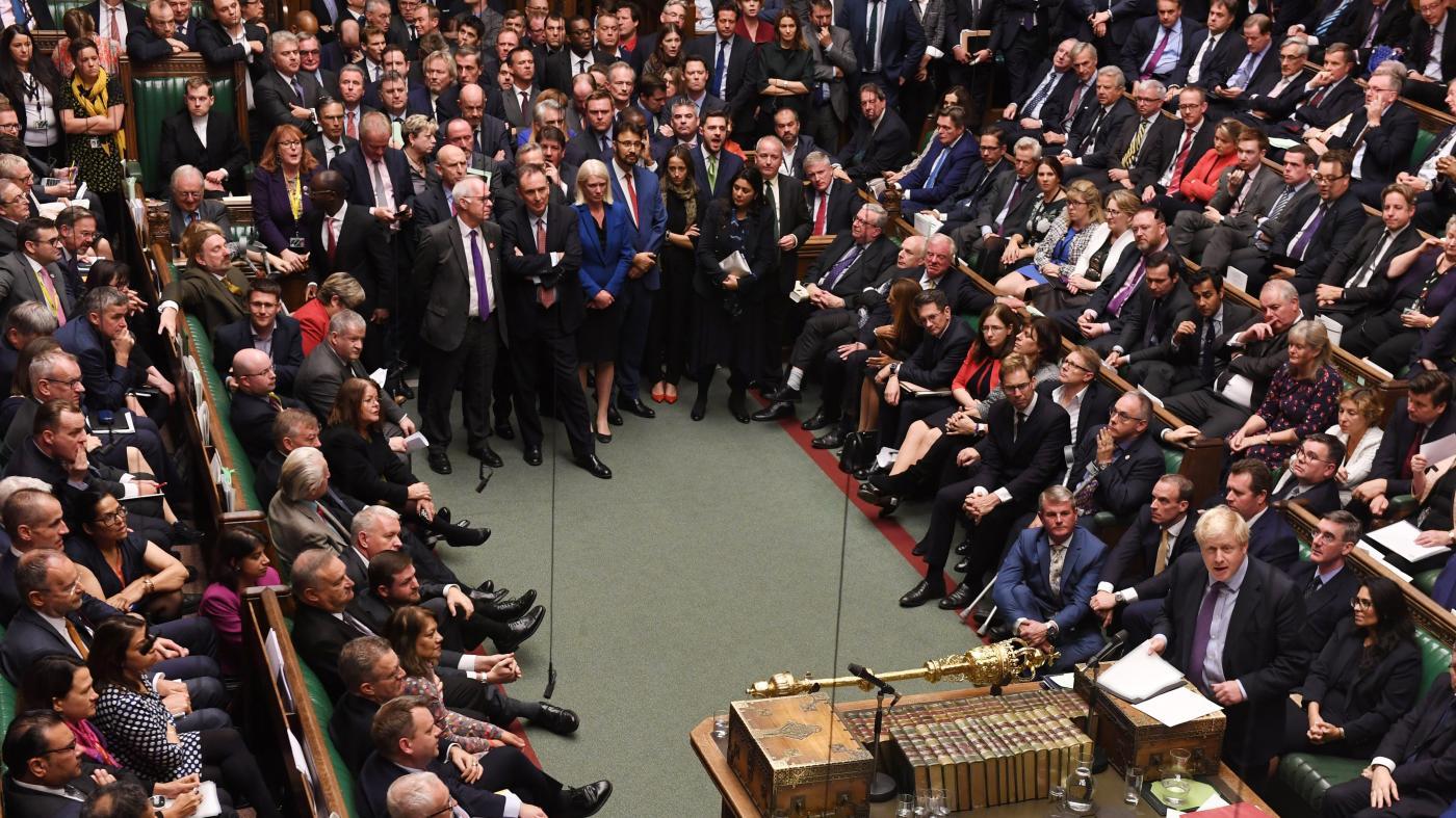 Photo of Qual é o código de vestimenta certo para os políticos no século 21? – Quartzo no trabalho