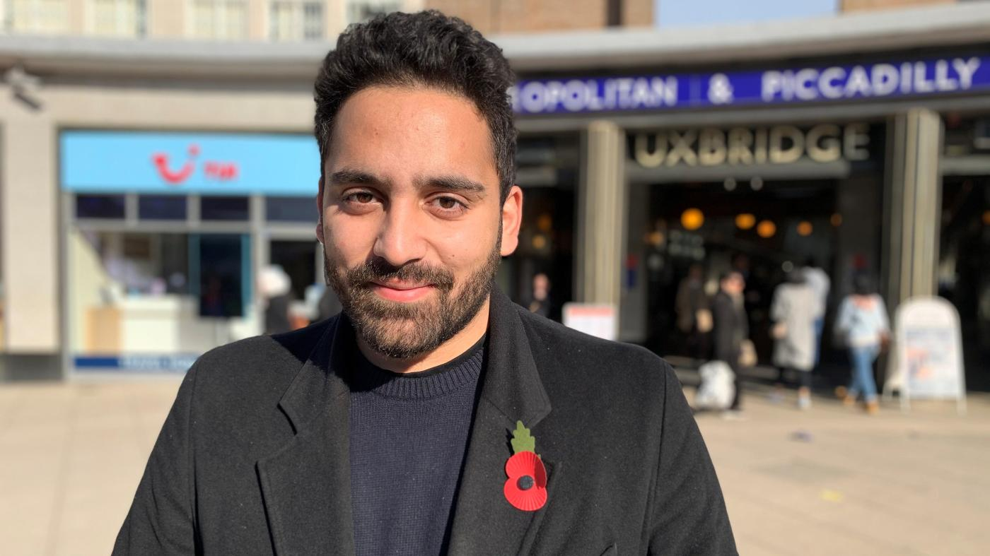 Foto de Ali Milani tem chance contra Boris Johnson em Uxbridge? – quartzo