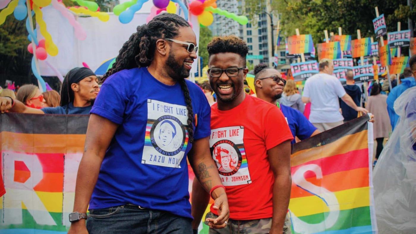 Photo of Como o apoio da comunidade está ajudando os gays negros com HIV a prosperar – Quartzo