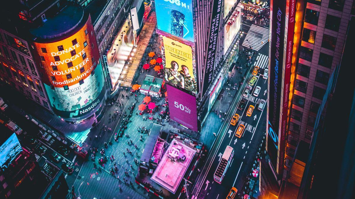 Photo of Como as velocidades de carregamento de 5G em uma Times Square lotada podem chegar a 200 Mbps