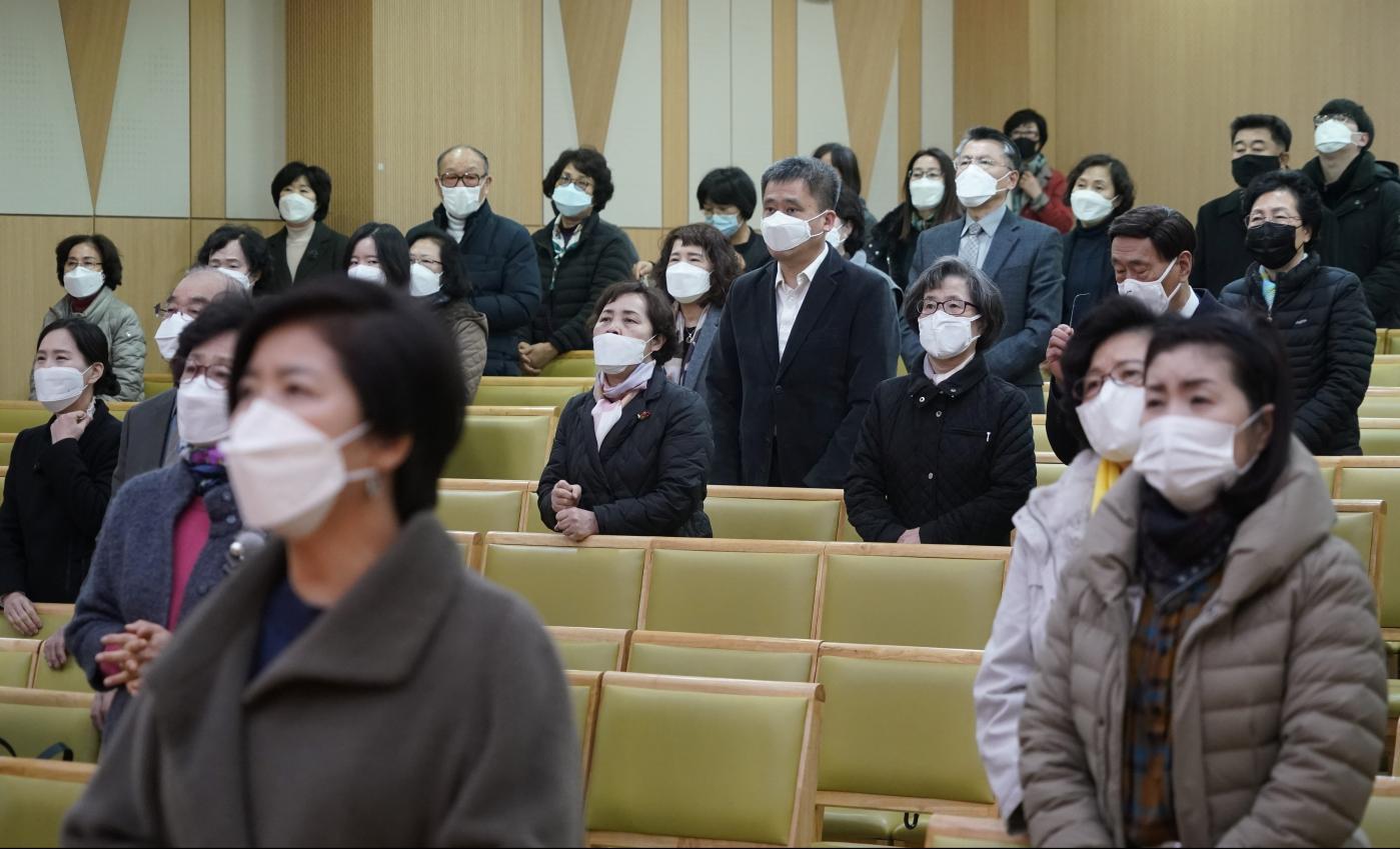 Photo of A religião está no coração do surto de coronavírus na Coréia – Quartzo