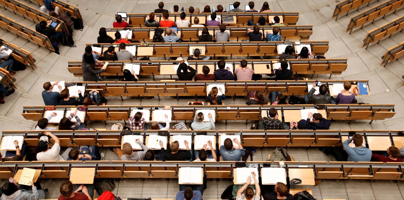 Foto de A Coursera está fazendo cursos gratuitos para estudantes de todo o mundo – Quartzo