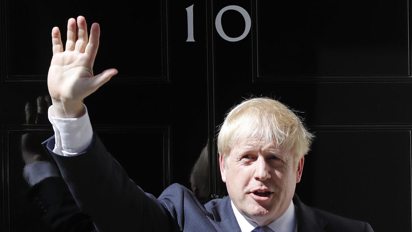Foto de Reino Unido não tem plano de sucessão como Boris Johnson enfrenta Covid-19 – Quartzo