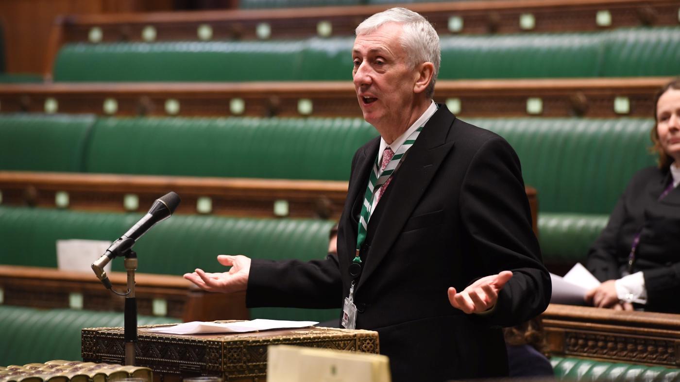 """Foto de Coronavirus força parlamentares do Reino Unido a usar o Zoom no parlamento """"virtual"""" – Quartzo"""