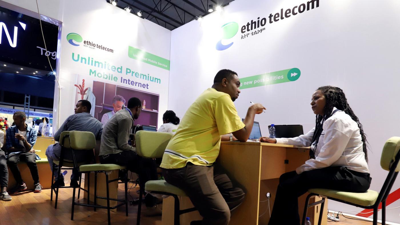 Foto de Etiópia abre ofertas para licenças telefônicas, Safaricom e Orange estão interessadas – Quartz Africa
