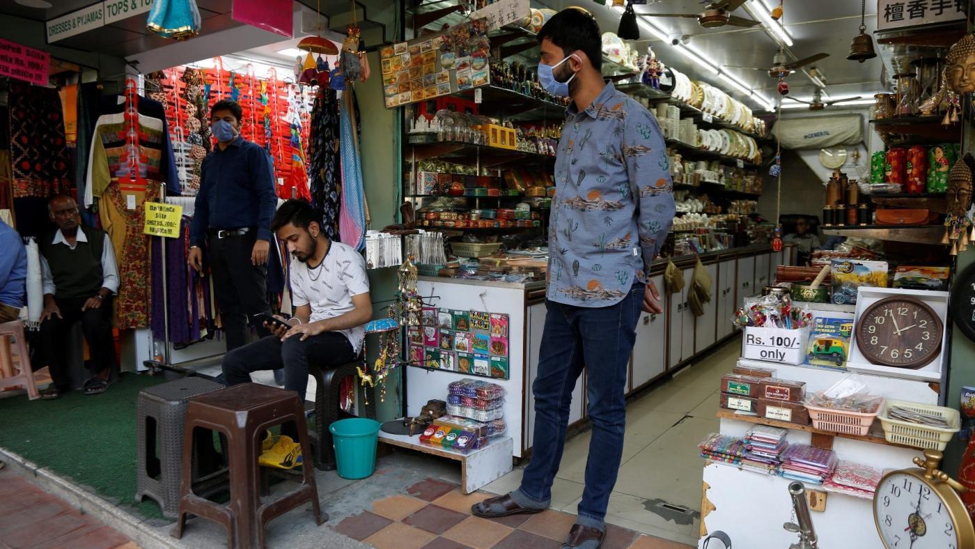 """Foto de Índios urbanos valorizam qualidade e preço acima do rótulo """"Made in India"""" – Quartz India"""