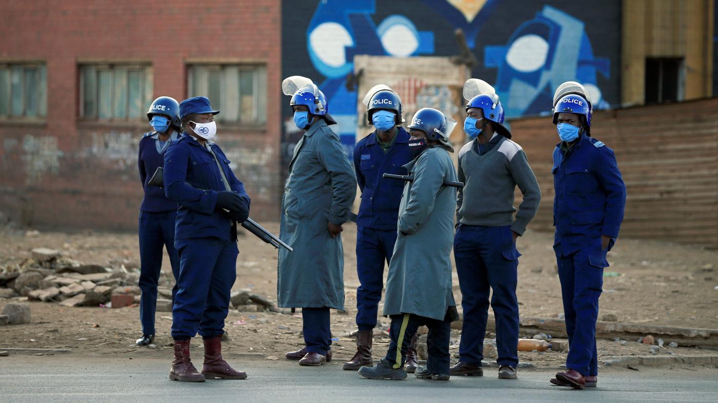Foto de Quantos testes Covid-19 foram feitos em países africanos? – Quartz Africa