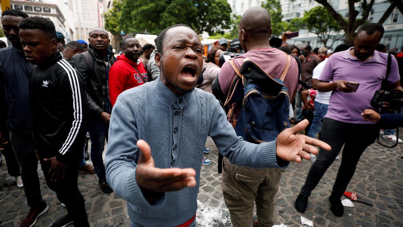 Foto de Protestos de xenofobia na África do Sul são organizados no Twitter – Quartz Africa