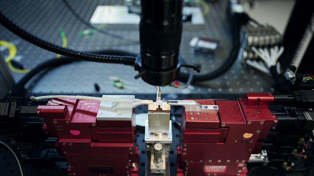 Foto de O primeiro computador quântico fotônico do mundo agora está disponível publicamente na nuvem