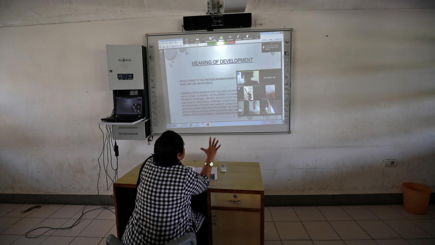 Foto de Covid-19 impulsiona a demanda por professores experientes em tecnologia em Naukri na Índia – Quartz India