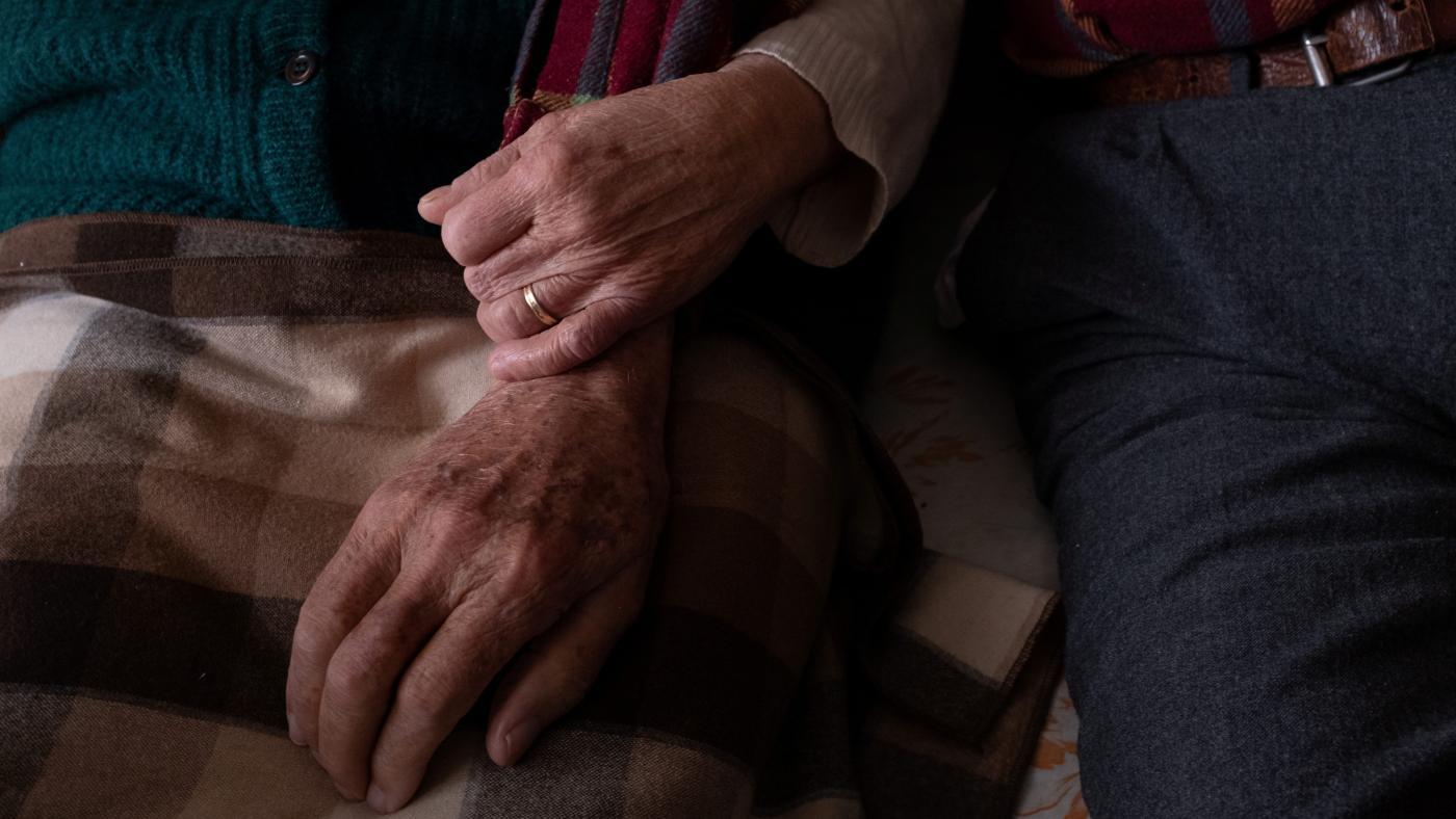 Foto de Mais adultos morreram de demência durante a pandemia de Covid-19 – Quartz