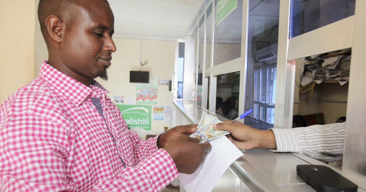 Foto de As remessas da África caem em uma pandemia não tão ruim quanto temia, Banco Mundial – Quartzo