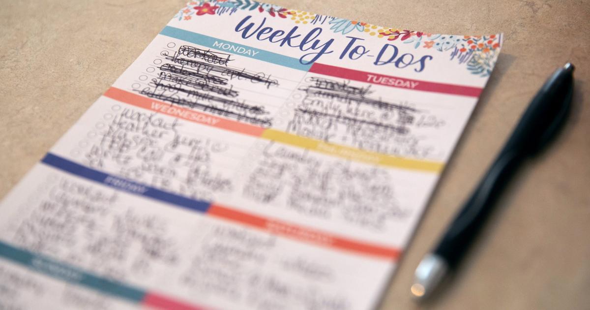 Foto de Auxilia o administrador de saúde mental com descrição de cargo pós-Covid – Quartz at Work
