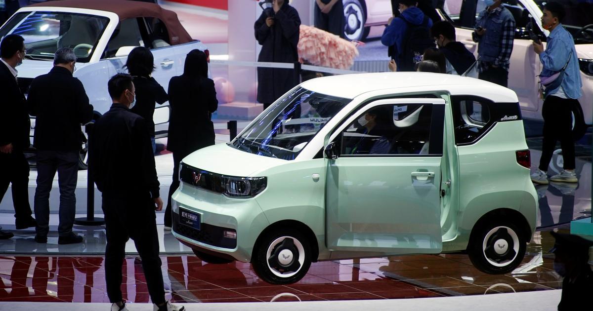 Foto de O Hong Guang Mini EV de US $ 4.400 está vendendo mais que o Tesla na China – quartzo