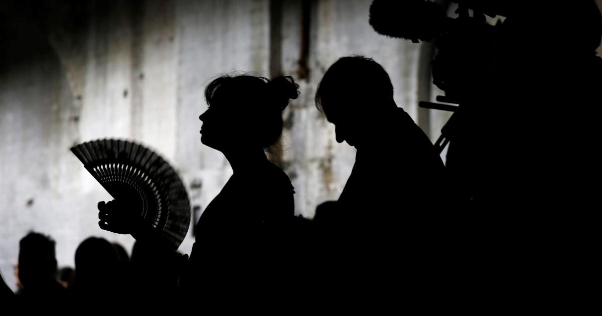 Foto de Menopausa, conheça o local de trabalho.  Local de trabalho, diga olá à menopausa.  – Quartzo no trabalho