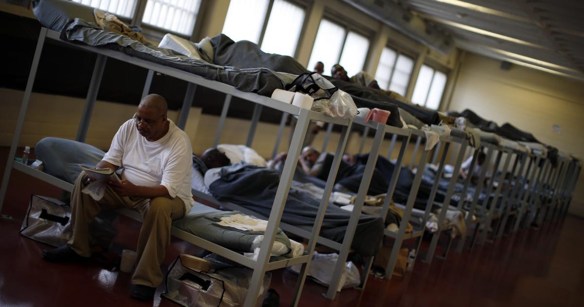 Foto de Prisões superlotadas ajudam a explicar a desigualdade racial Covid-19 da América – Quartzo