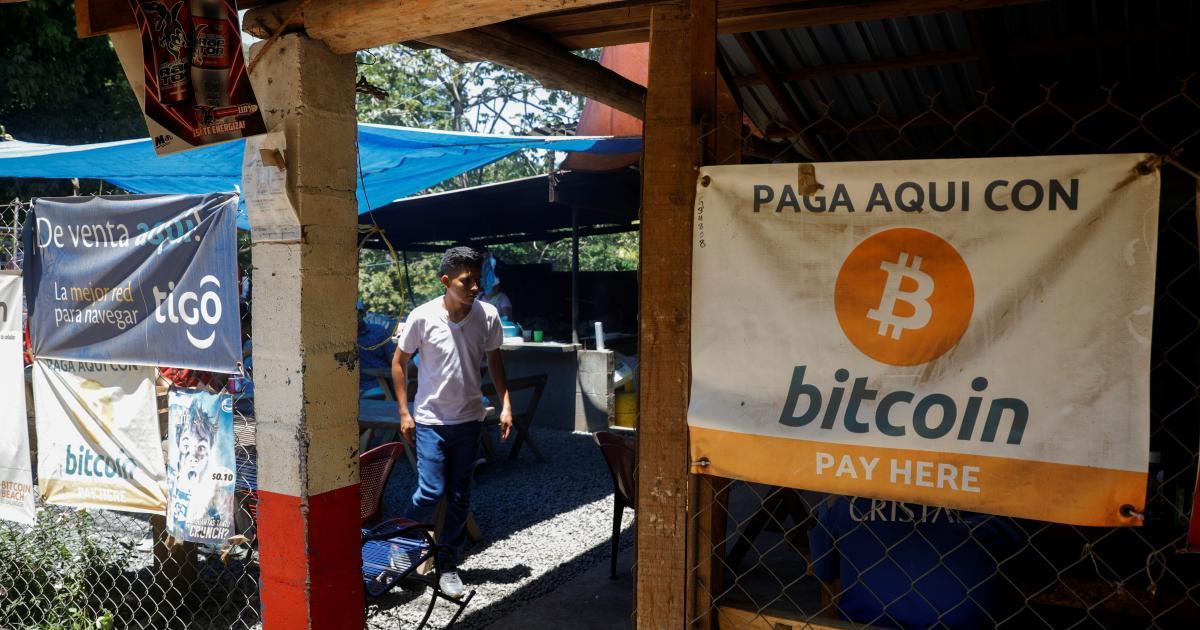 Foto de El Salvador atrai fãs de bitcoin enquanto salvadorenhos buscam asilo – Quartzo