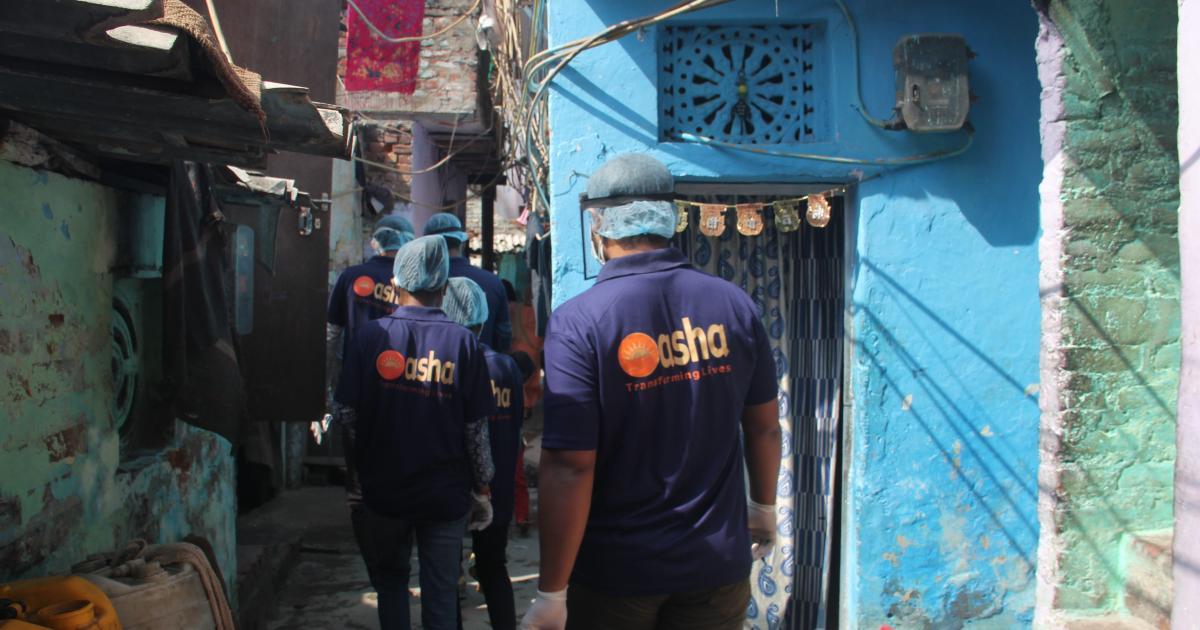 Foto de Trabalhadores da ONG Asha ajudam a controlar casos da Covid nas favelas de Delhi – Quartz Índia