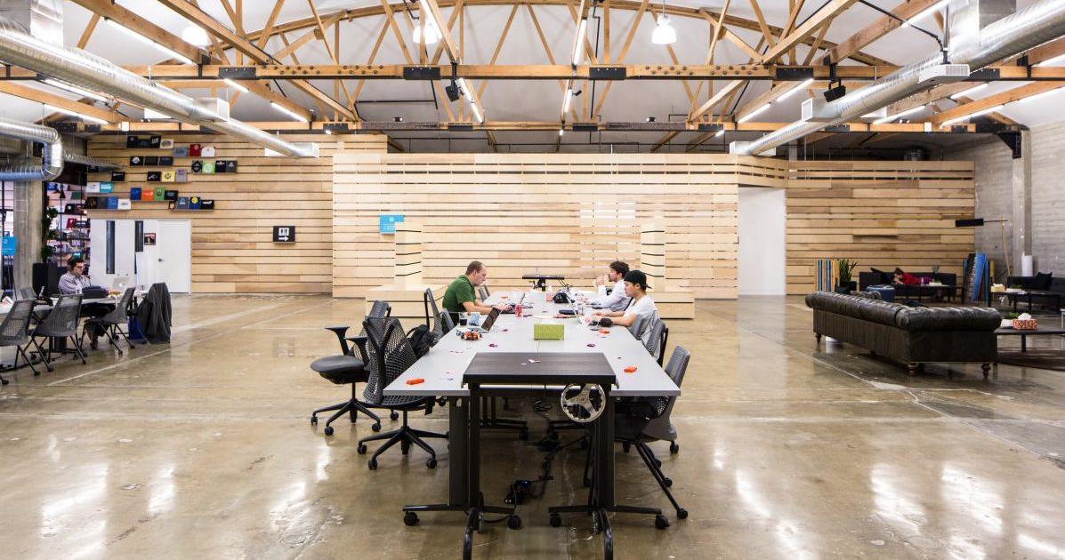 Foto de Empresas americanas estão reconsiderando seus planos de redução de espaço para escritórios – Quartz